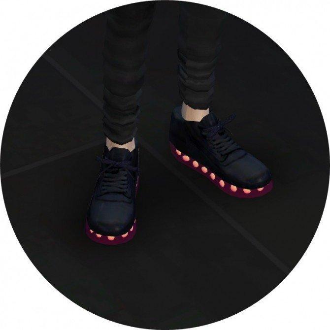 Кроссовки sneakers со светящейся подошвой от marigold для Симс 4